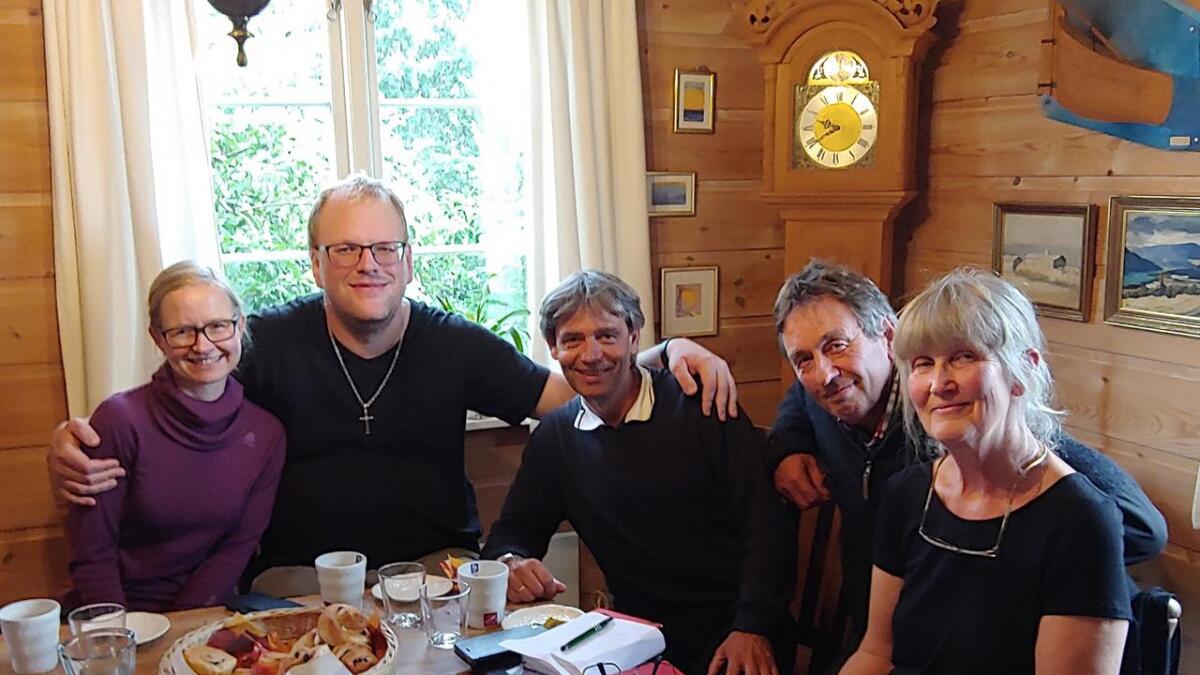Kathrine Tallaksen Skjærdal, Dag Theodor Husaas, Stein Reinertsen, Jan Thorvald Kjøstvedt og Barbro Raen Thomassen.