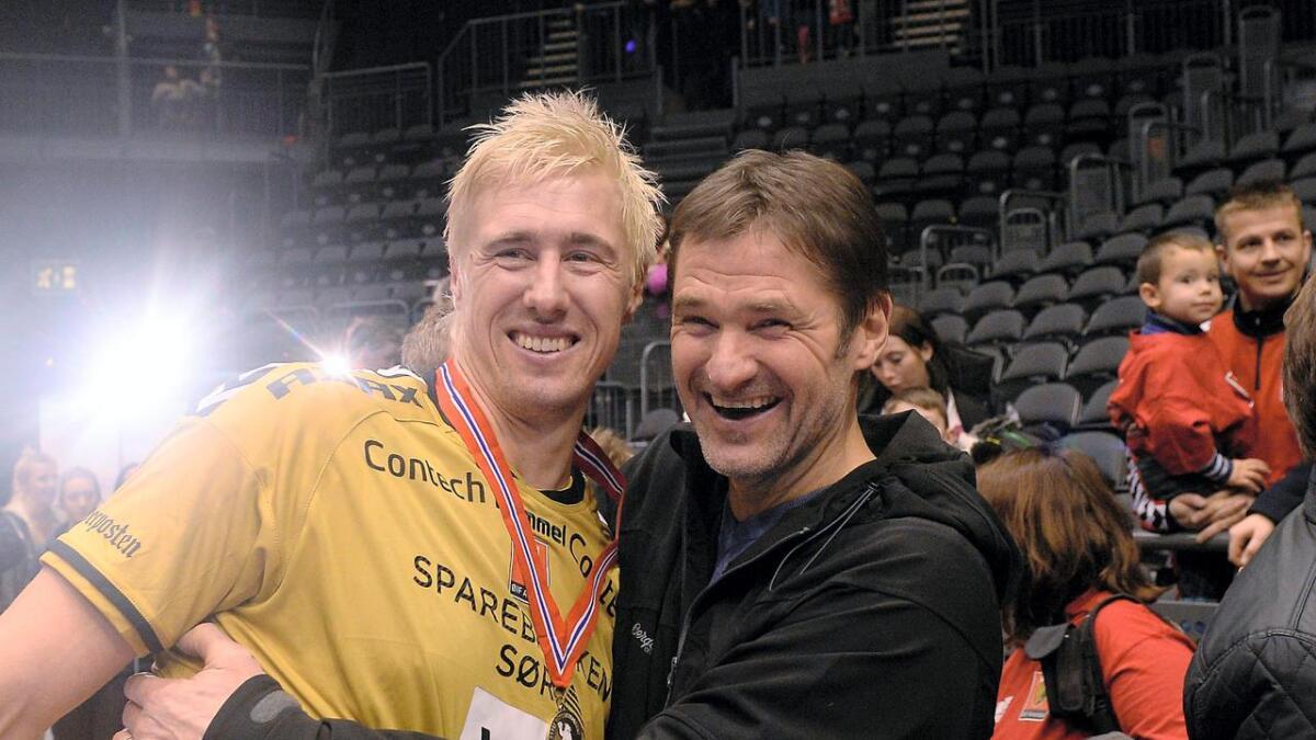 Pappa, Geir André Jørgensen, var blant de første til å gratulere André Jørgensen Hofstøl med NM-tittelen.
