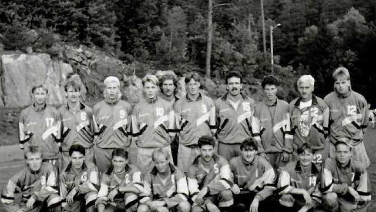 Laget fra 1992 gikk ubeseiret gjennom serien og rykket opp til 4. divisjon.