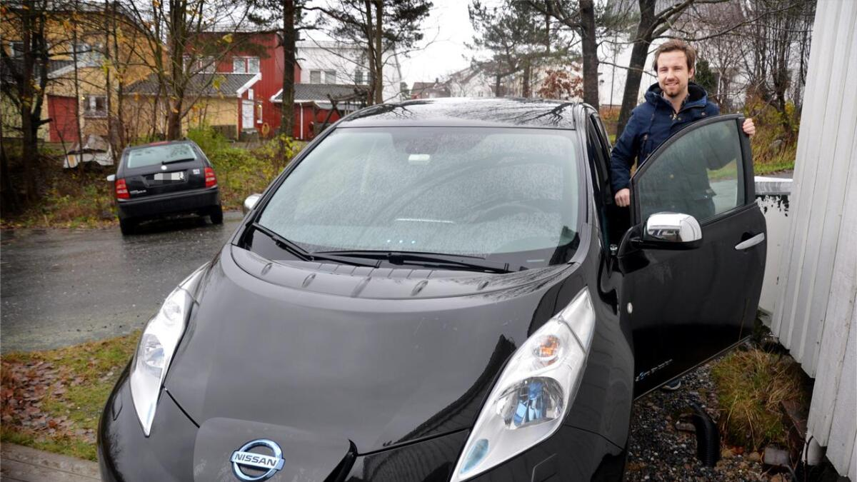 Kenneth sparer penger på elbilen