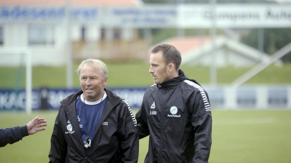 Jan Roger Langeland og Knut Rønningene var i likhet med resten av Pors lettet etter lørdagens seier over Donn. BEGGE