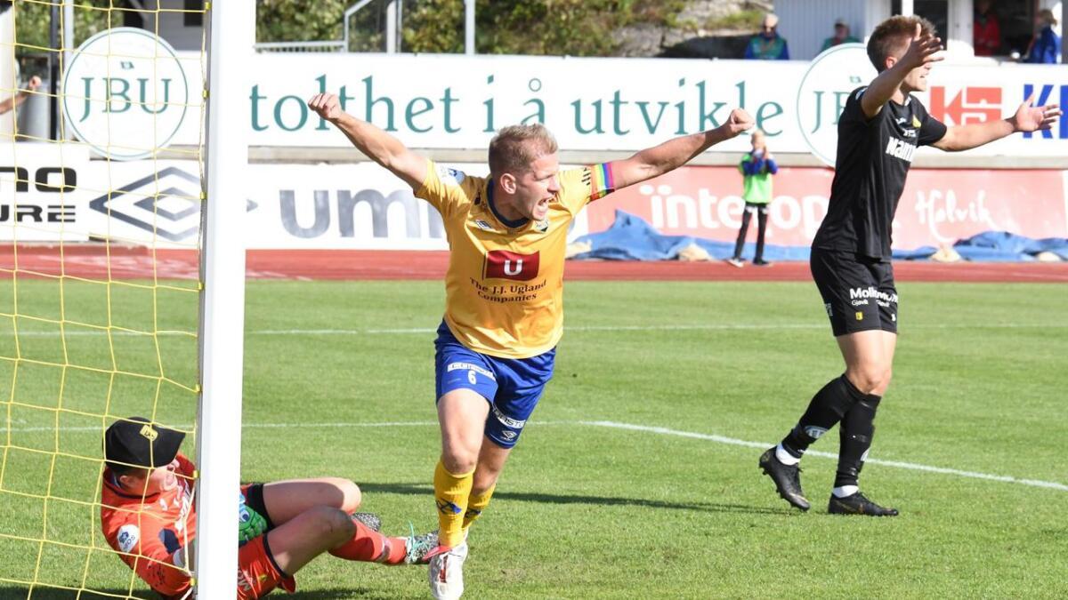 Mathias Wichmann satte inn 1-0 fra kloss hold og jublet med armene i været. Nå øyner kapteinen kvalikspill.