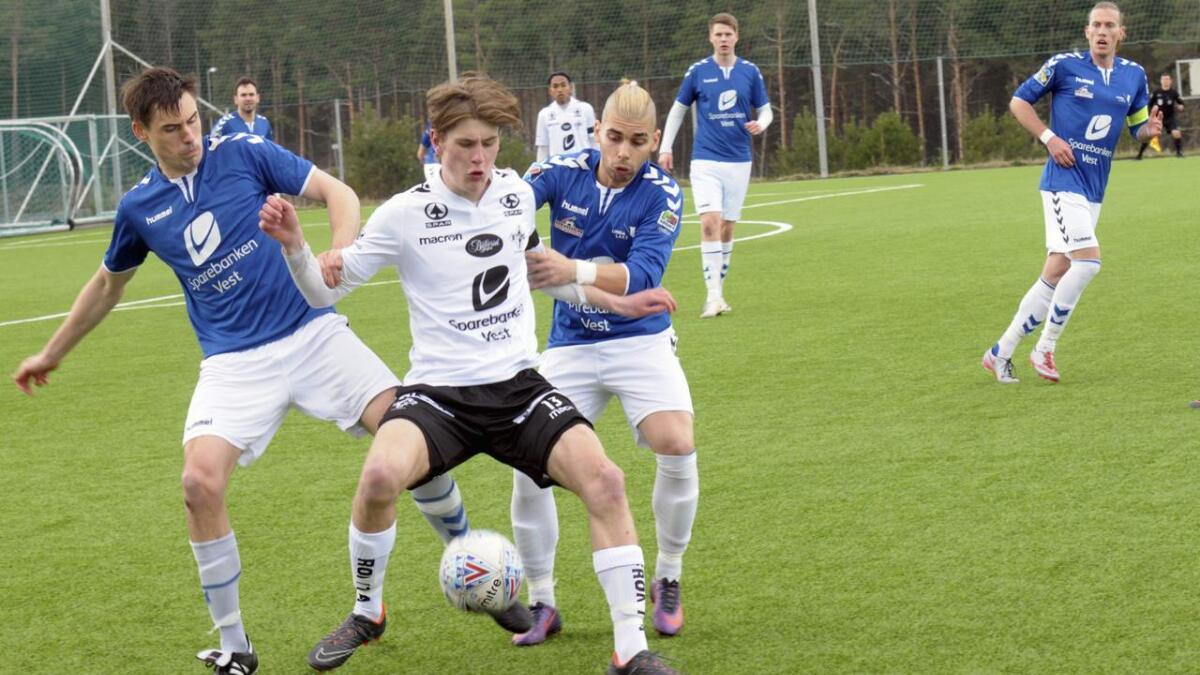 Martin Føyen bankar inn mål for Stord sitt juniorlag. På to kampar denne veka har han signert sju av laget sine totalt 14 scoringar.