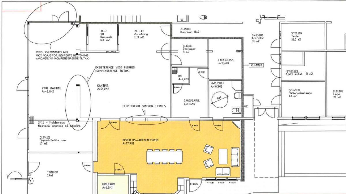Aktivitetssenteret skal bygges like ved kantina. (markert med gult).