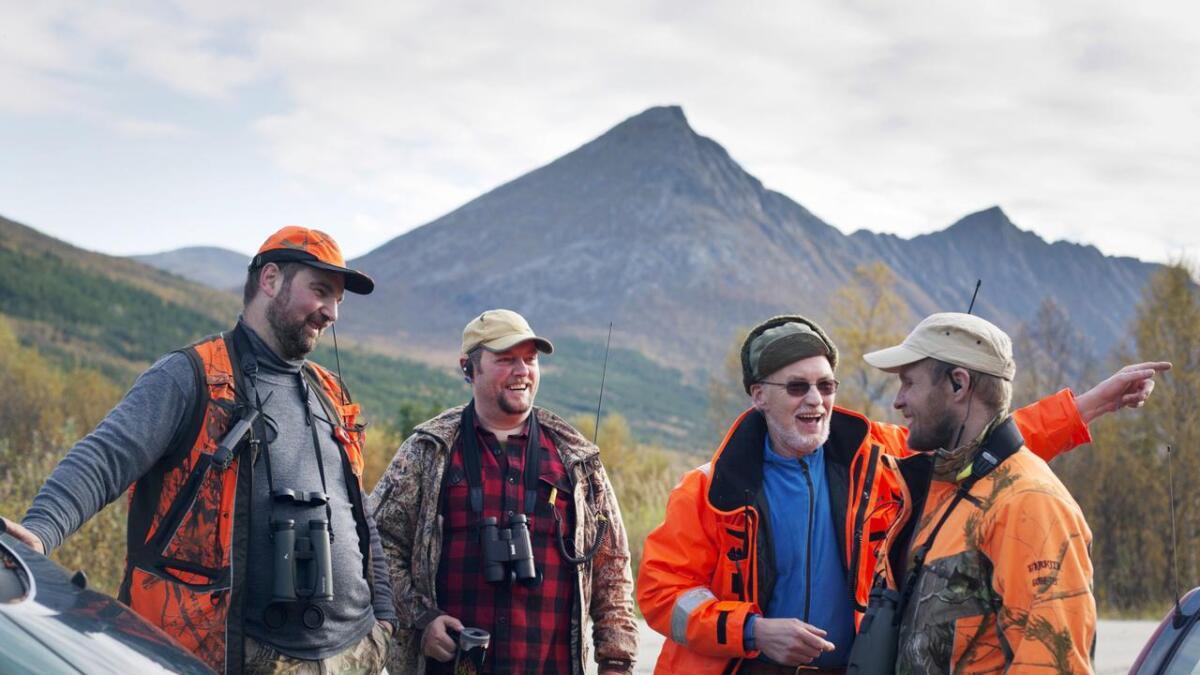 Noen jegere har jaktklær som gjør dem lett synlige for andre jegere, det kan være et godt tips for andre også.