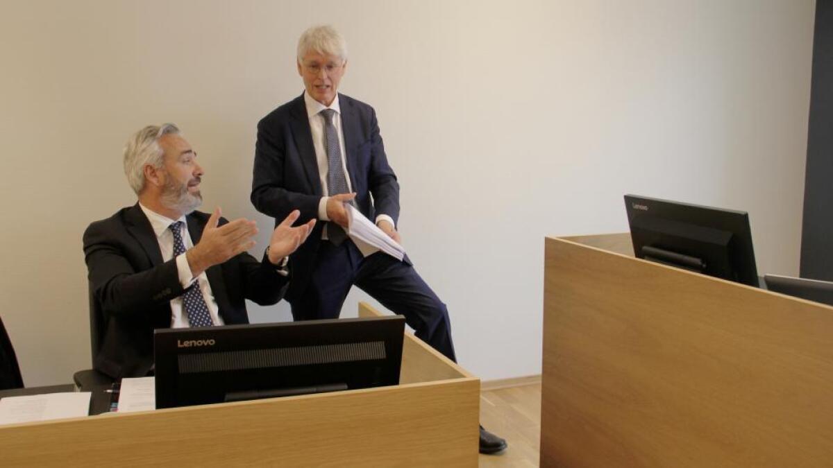 Advokatene Hans Kristian Skarpholt og Johan Henrik Frøstrup i en uenighet i tingretten