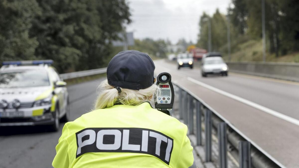 Et førerkortbeslag og ni forenklede forelegg i løpet av en formiddagstime betegner politiet som nedslående. Illustrasjons