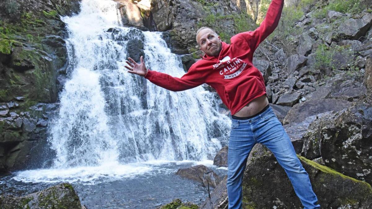 Kenneth Wikstøl sier at de neste år skal ha hopping alle dager, også når det er mye vann i fossen. Dette tror han kan bli en attraksjon.   Alle