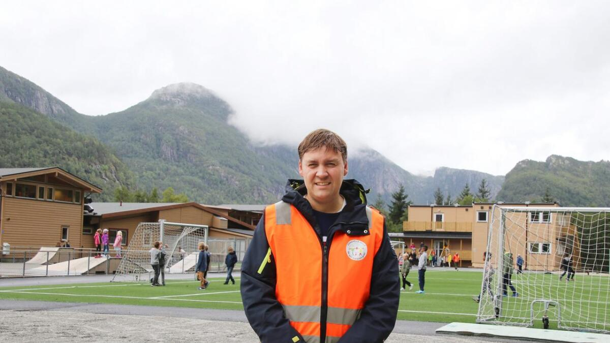 Robert Flatås har vore rektor ved Stanghelle skule i 3 1/2 år når han sluttar 31. januar neste år.