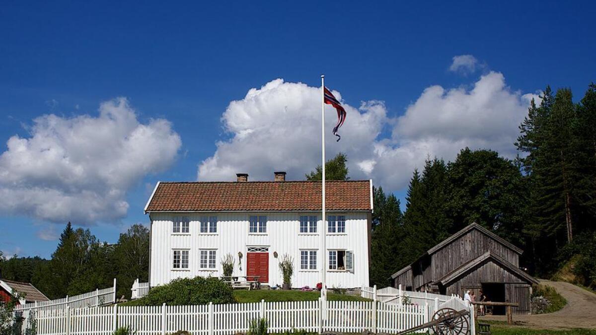 Berli gård i Grimstad har historie helt tilbake til 1600-tallet. Det er våningshuset fra 1845 som nå får midler, til blant annet restaurering og istandsetting av vinduer og dører, og utbedring av råteskader.