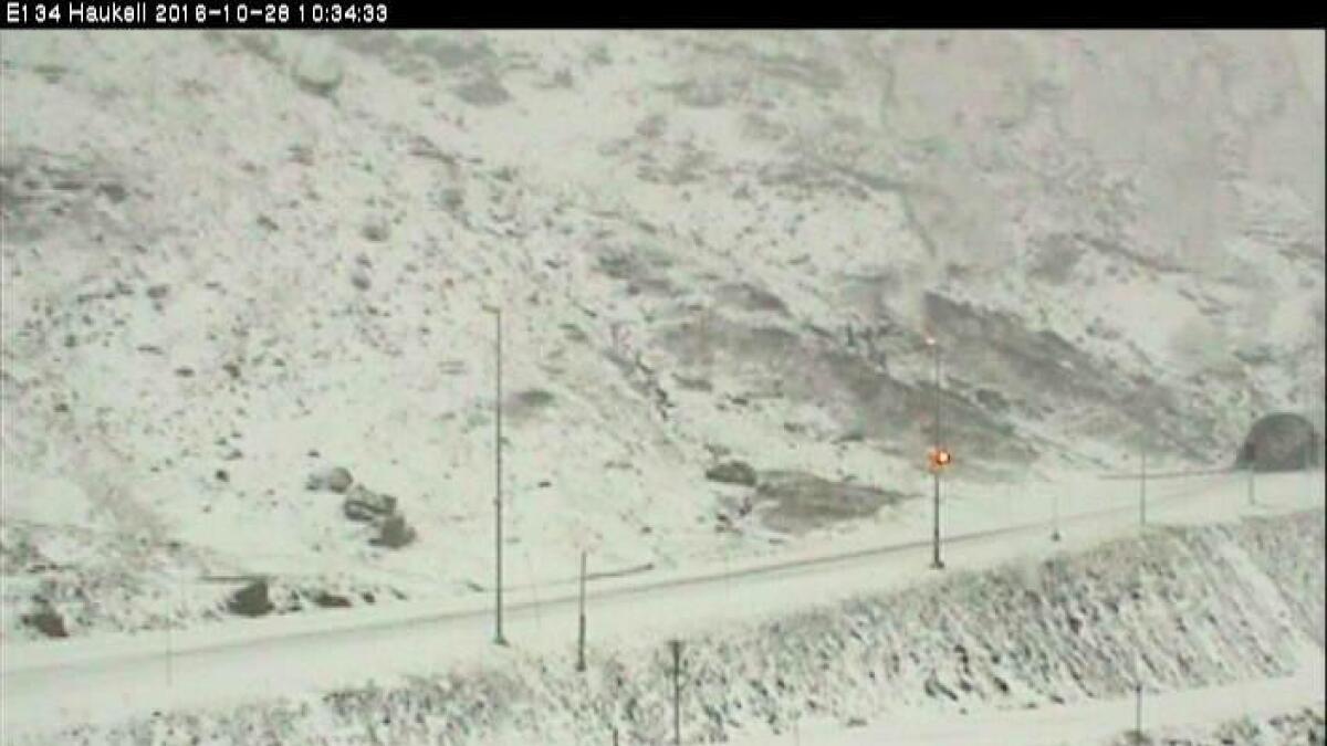 E134 over Haukelifjell har fått et meget vinterlig preg over seg.