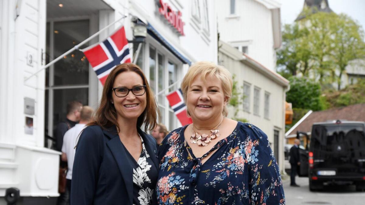 Beate Skretting lover en positiv innstilling dersom hun blir ordfører. Her med Erna Solberg tidligere i sommer.
