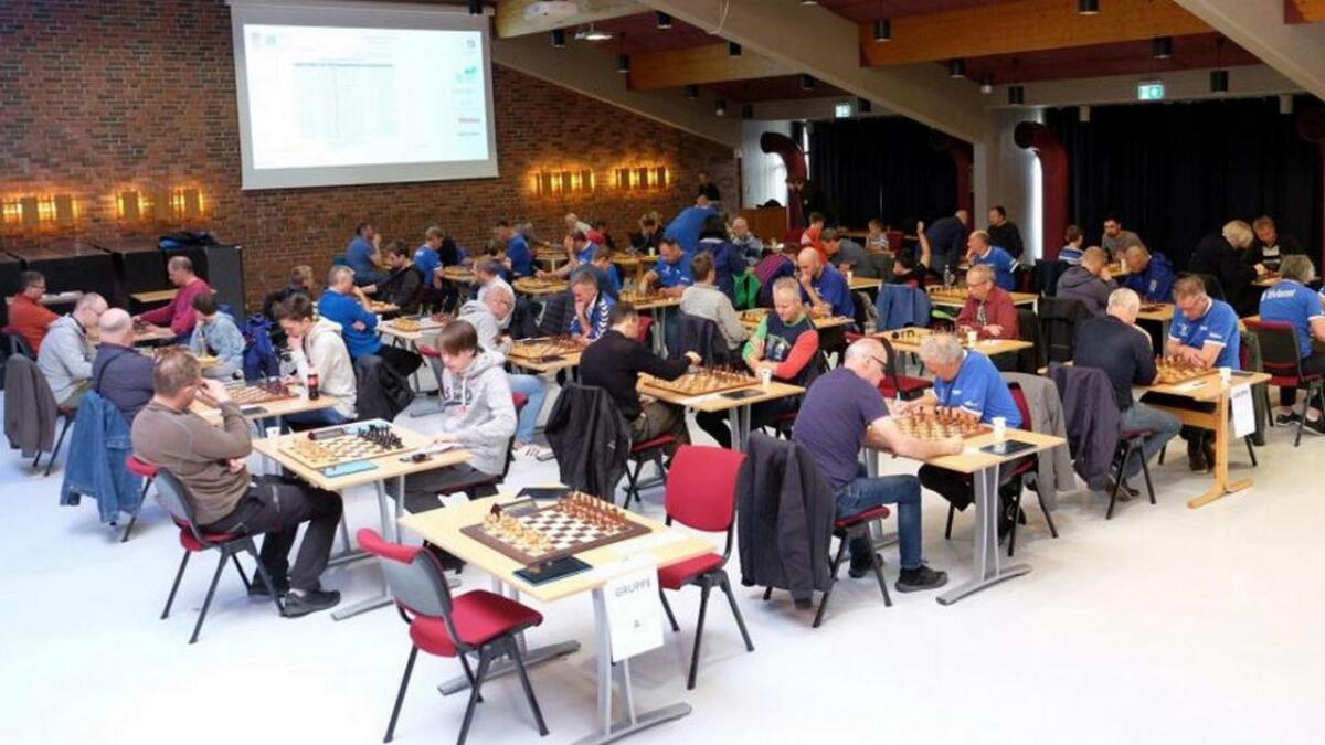 Årets Blåbyen Grand Prix samlet 64 spillere i Samfunnssalen.