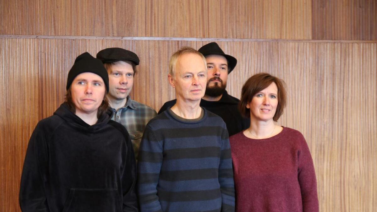 Kåre Opheim, Stein Urheim, Tore Brunborg, Steinar Raknes og Berit Opheim.