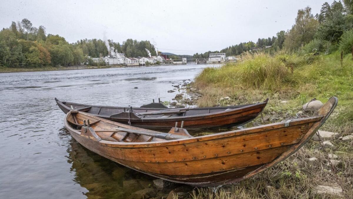 Ein gang var nersetterbåtene eit vanleg syn på Drammenselva. No må ein leita lenge for å finna ein båt.
