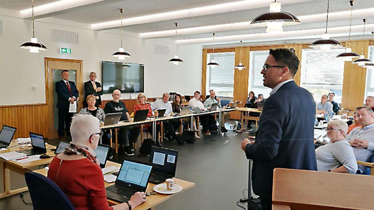 Måndagens møte var det siste for sitjande kommunestyre i Vaksdal. Det var samstundes det første møtet i nyopprusta kommunestyresal.