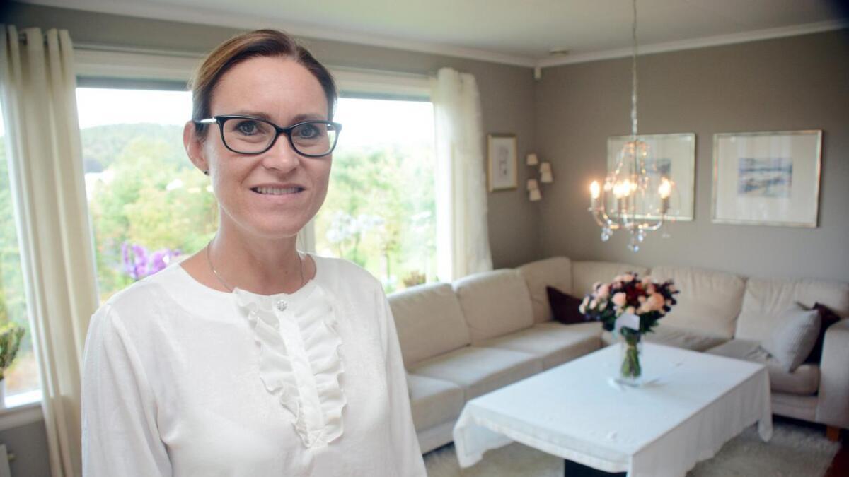Beate Skretting har hatt det travelt etter at det ble kjent at hun skriver politisk historie i Grimstad og blir kommunens første kvinnelige ordfører. Mens dans på bordet hjemme i Bieheia det har det ikke blitt ennå.