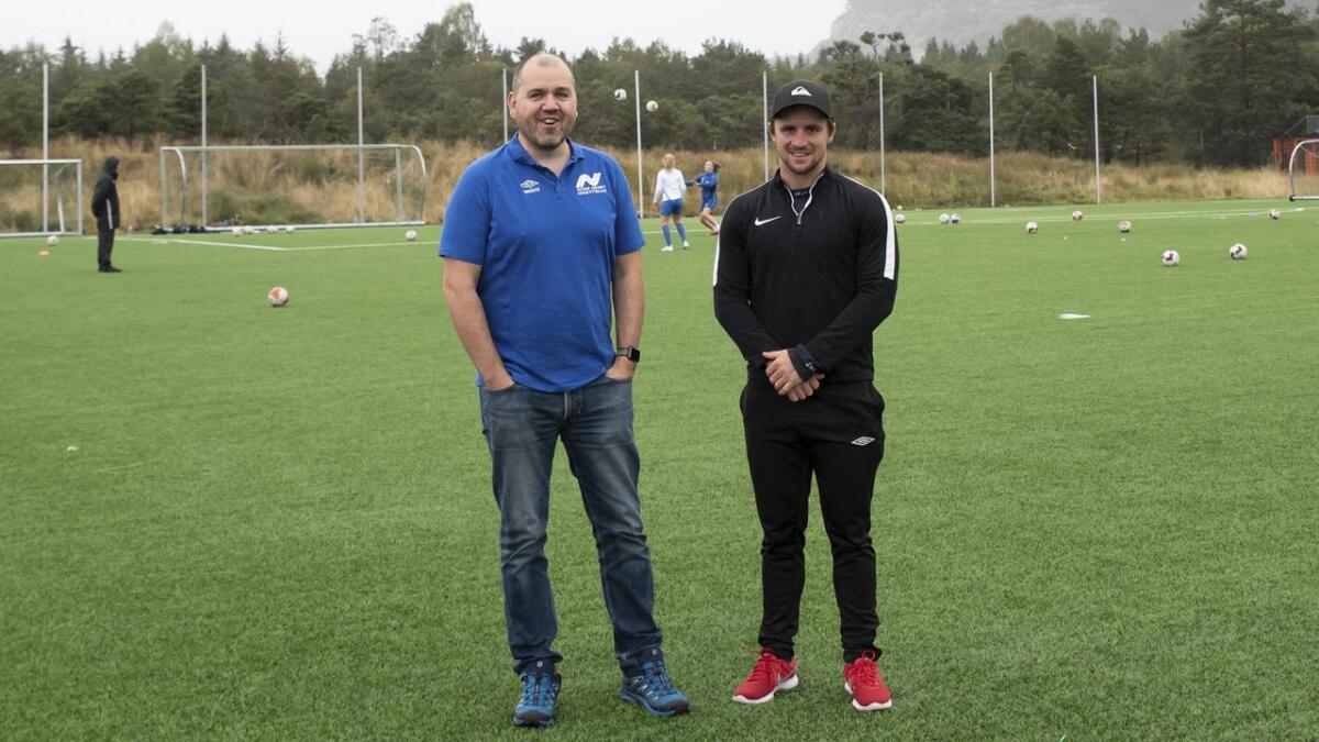 Dagleg leiar i Nore Neset Idrettslag, Eirik André Hesthamar, og nytilsette Martin Eidsvik, gler seg til å utvikla idrettslaget i ei ny retning.