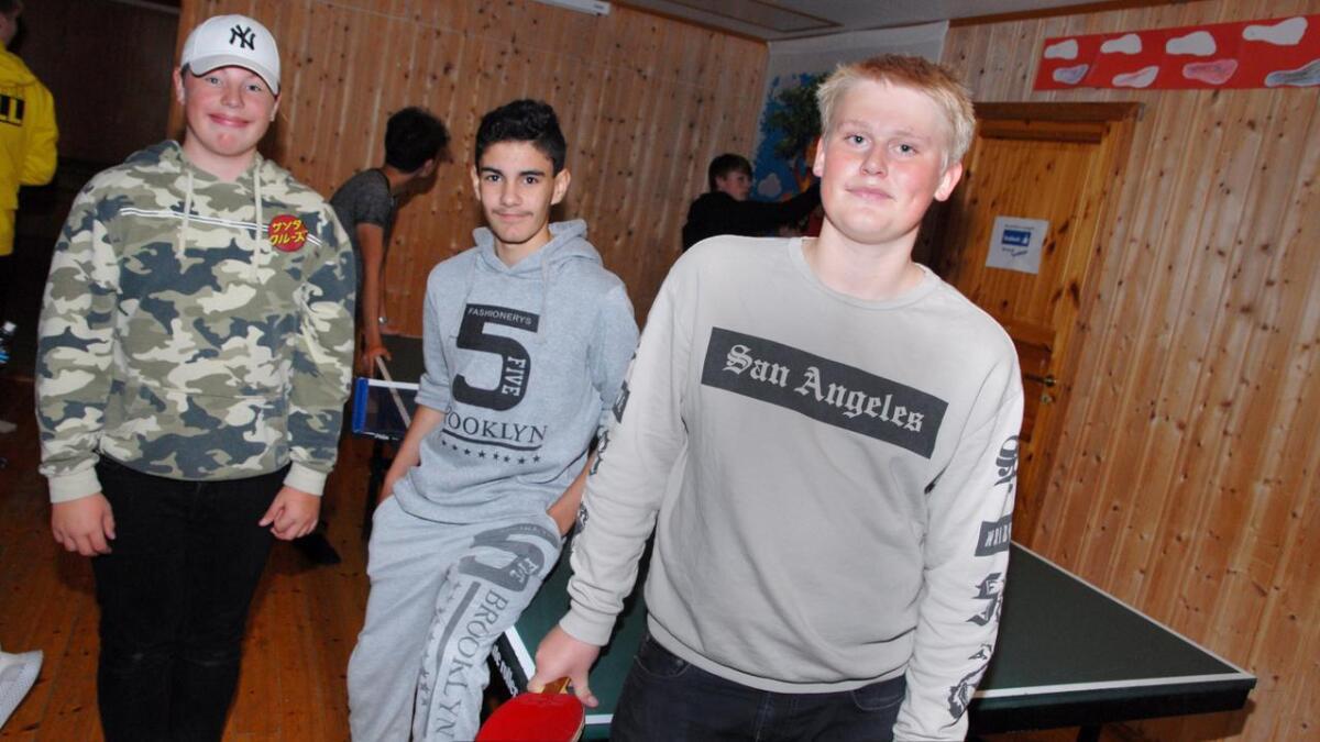 Ole Martin Andersen, Mikhael Bashour og Michael Nordheim besøkte nattkafeen for første gang og synes det er et godt tilbud.