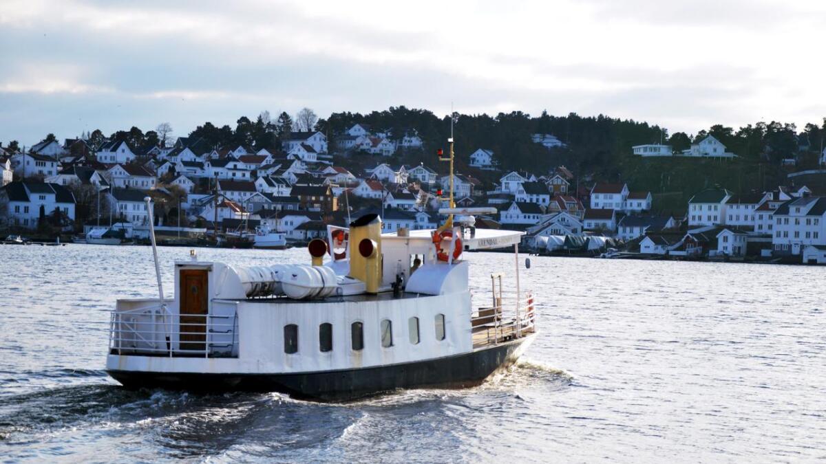 Her på vei til Kolbjørnsvik fra Arendal til Hisøy.