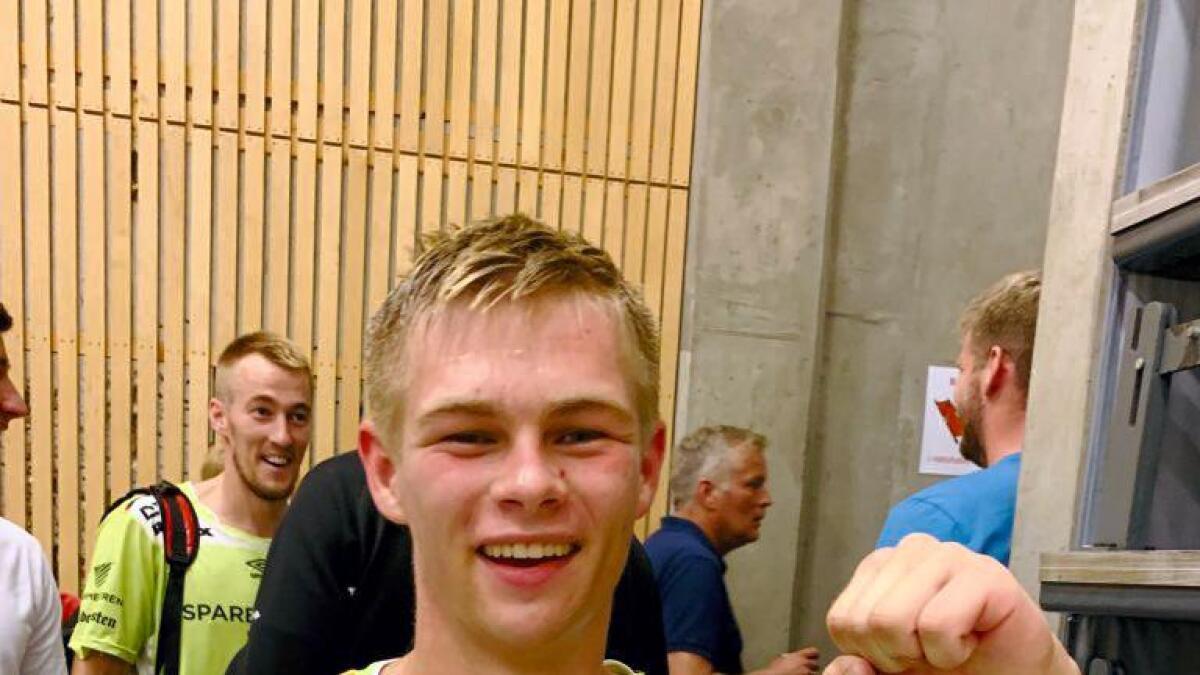 Unggutten Adrian Gjeisklid Evensen scoret syv mot Sandnes lørdag og fikk skryt av trener Mainko Kurtovic.