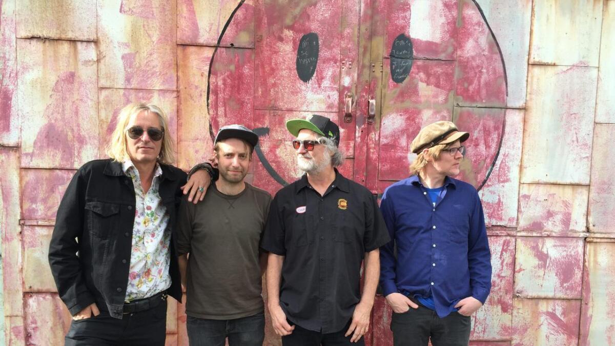 The No Ones beskrives av Roskilde-festivalen som en indie-supergruppe. – Det er i hvert fall ikke mitt navn som får folk til å dra frem ordet supergruppe, sier Arne Kjelsrud Mathisen (andre fra venstre) beskjedent.