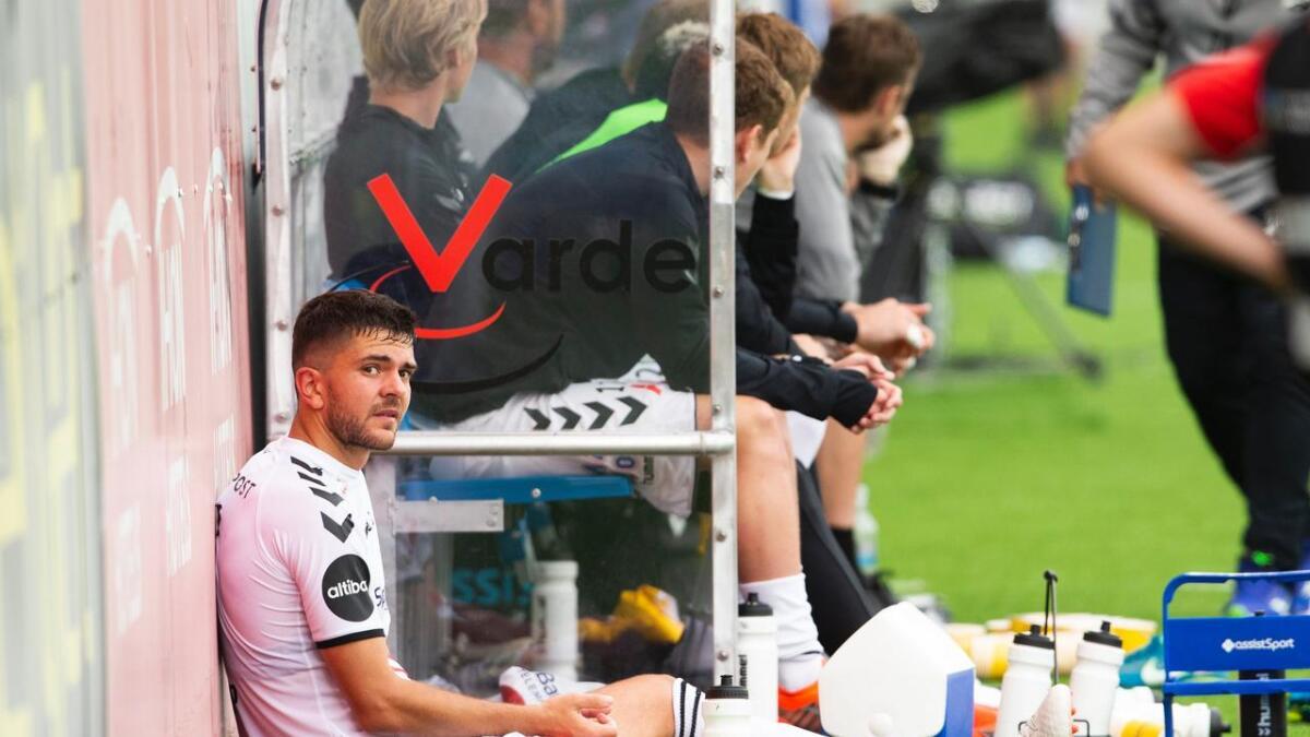 Fredrik Oldrup Jensen måtte se mer enn en omgang fra sidelinjen søndag. Han vet fortsatt ikke hva skuldersmertene skyldes.