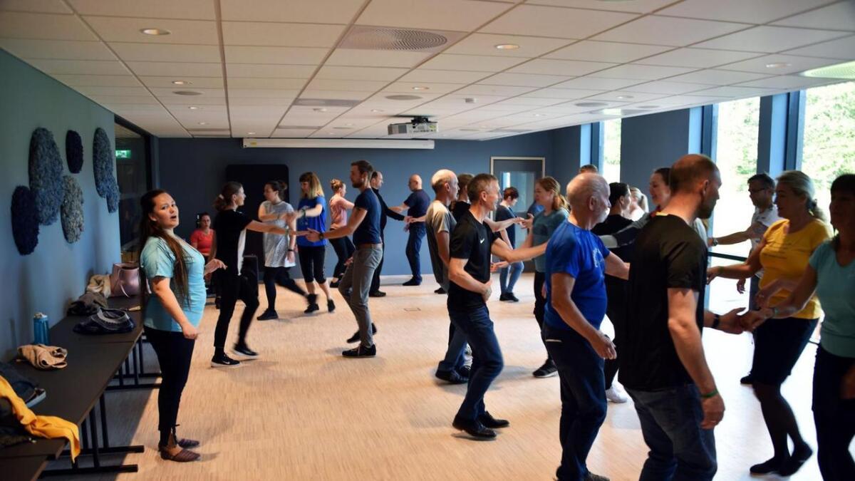 Oktoberrock på Kalvild gård – et arrangement i regi av stiftelsen Kom og dans. I løpet av helga ble det arrangert hele 34 dansekurs. Alle