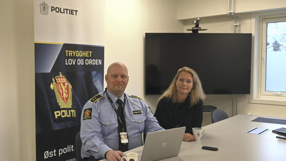 Gunnar Foseid (politikontakt i Nes) og Ida Eliseussen (SLT-koordinator) samarbeider om håndteringen av at barnepornografi blir delt blant bygdas 7. klassinger.