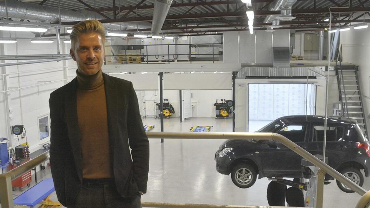 Lasse Lauvstad har lagt fjorårets verkstadbrann bak seg, og er nøgd med den nye verkstaden på Århusmoen.   8