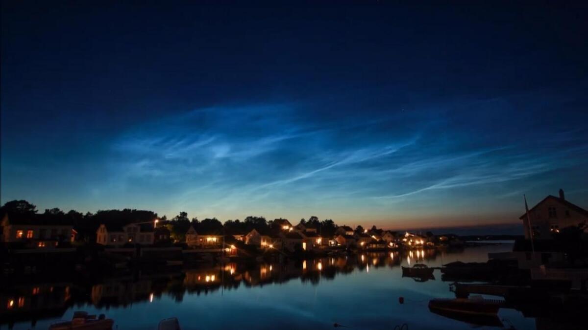 Disse flotte nattlysend eskyene er fanget over Lyngør.