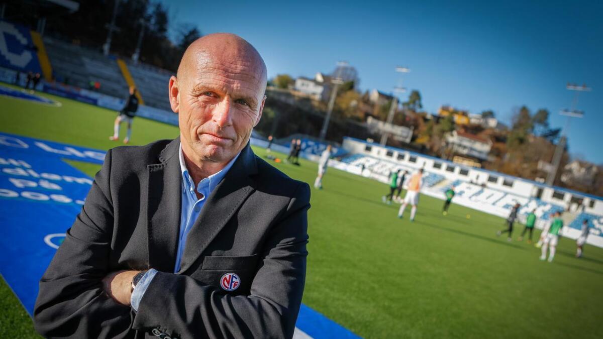 Thor Håversen har et langt liv som dommer bak seg. De siste fire årene har han vært dommerveileder i 1. divisjon, og er ikke enig i Arne Sandstøs kritikk av dommerstanden. Bildet er fra en annen sammenheng.