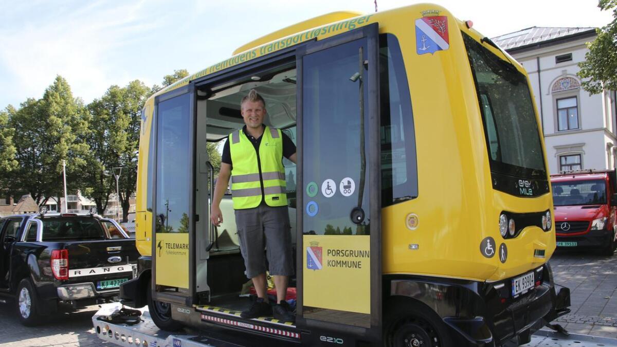 Jonny Haugen sier at sjåførløse busser er helt sikre.