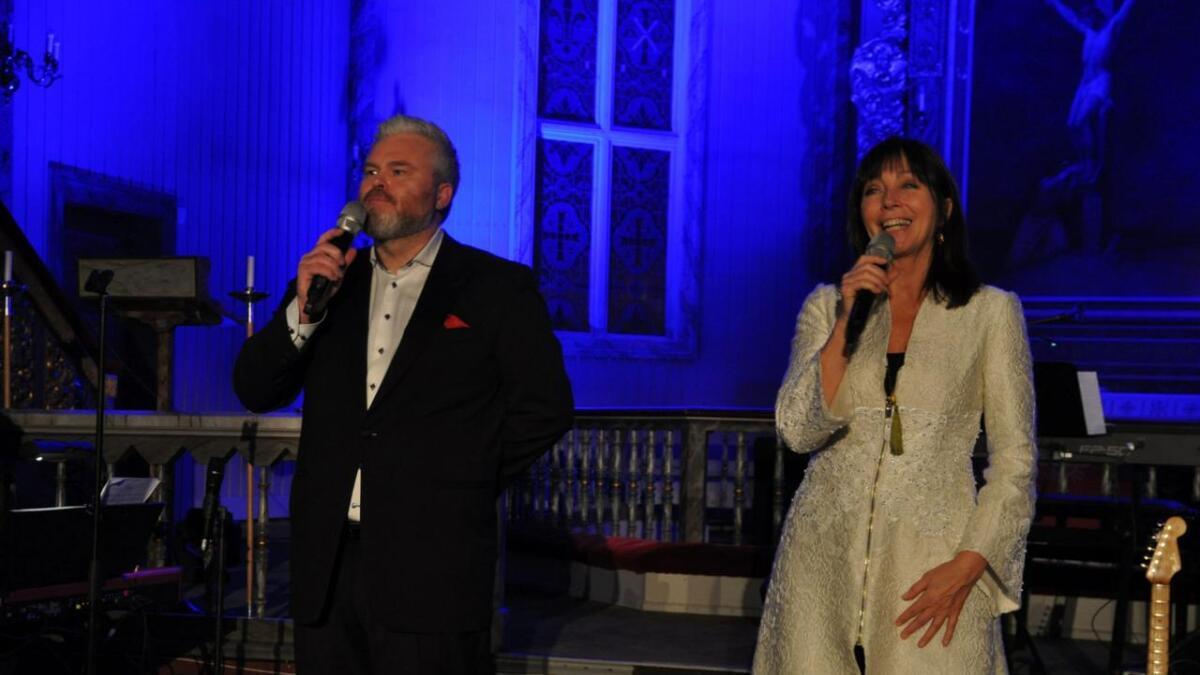 Anita Skorgan og Rein Alexander i Nes kyrkje i 2017.