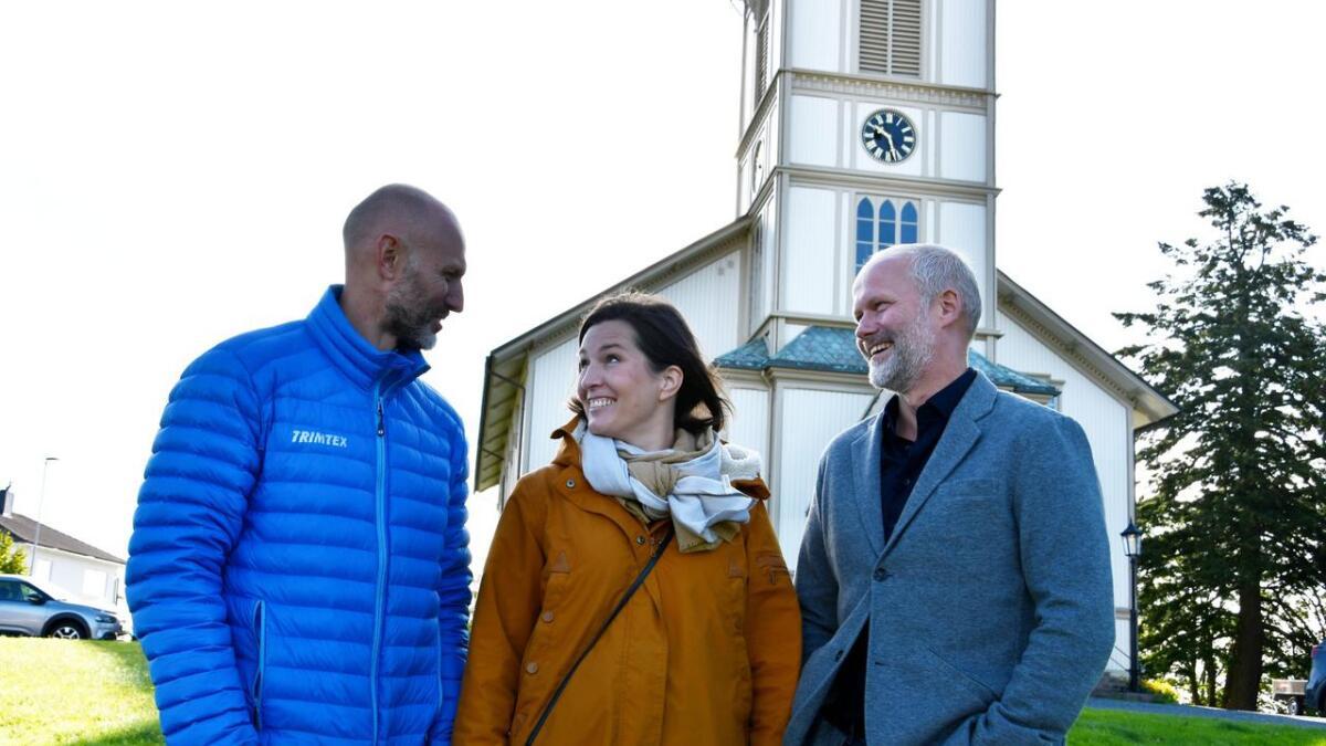 Agder Event, ved Bjørnar Heldal og Trond Are Gjone, arrangerer to julekonserter med sopran Ingrid Vetlesen i desember. Konsertene blir i Lillesand og Høvåg kirker.