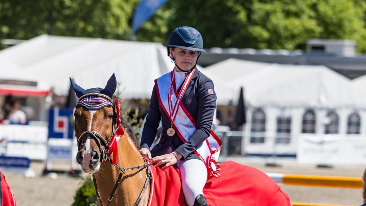 Victoria Celine Dalen sammen med Kadans van Orchid's bidro sterkt til at det norske laget i ponni kategori 1 ble nordiske mestere.