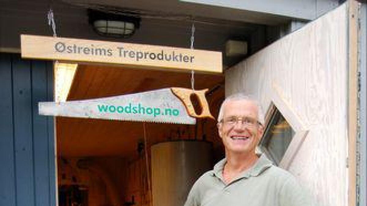 I et innholdsrikt verksted dyrker Knut Østreim sin hobby og lidenskap.