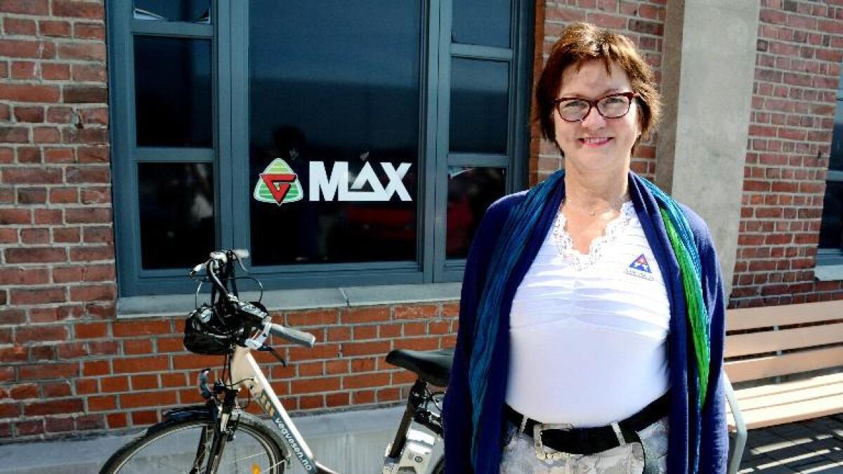 Brita Straume, distriktsleiar for Trygg Trafikk meiner mange unge el-syklistar er farlege i trafikken.