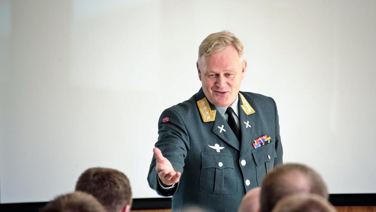 Tidligere forsvarssjef Harald Sunde er kritisk til den vedtatte langtidsplanen for Forsvaret.