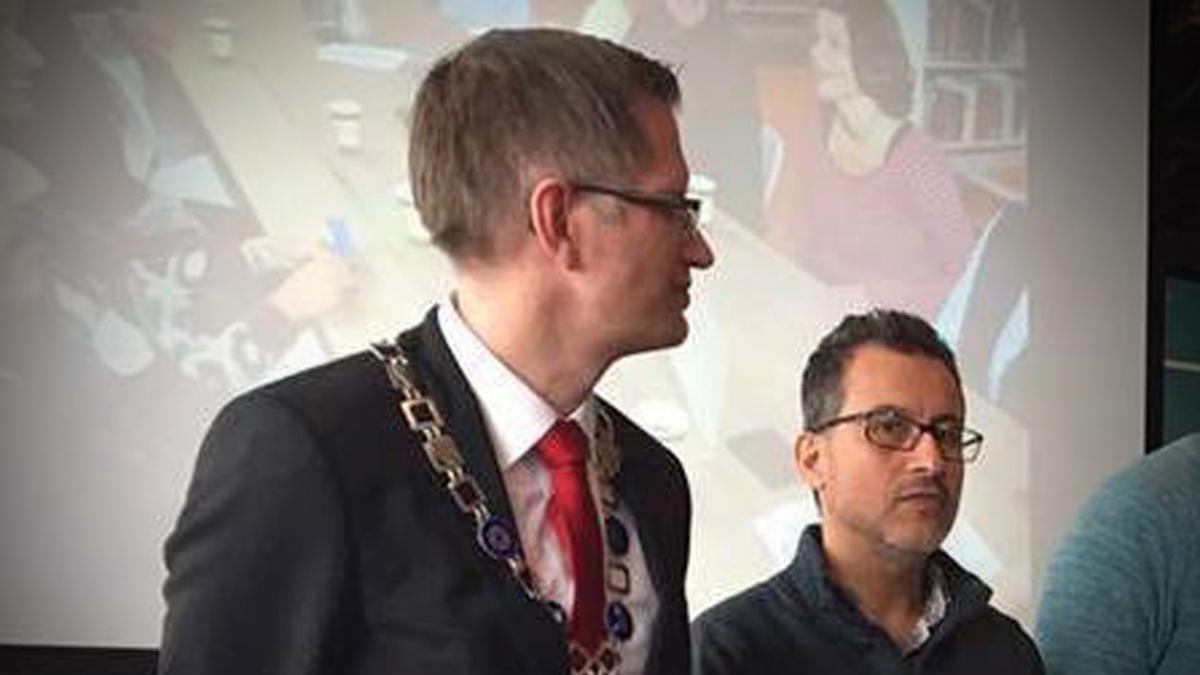 Ordfører Robert C. Nordli t.v. og Josef Hæier, begge Ap, er populære personer. Nordli fikk flest personstemmer i kommunevalget i Arendal. Hæier suste opp fra 27. til 5.plass på lista.