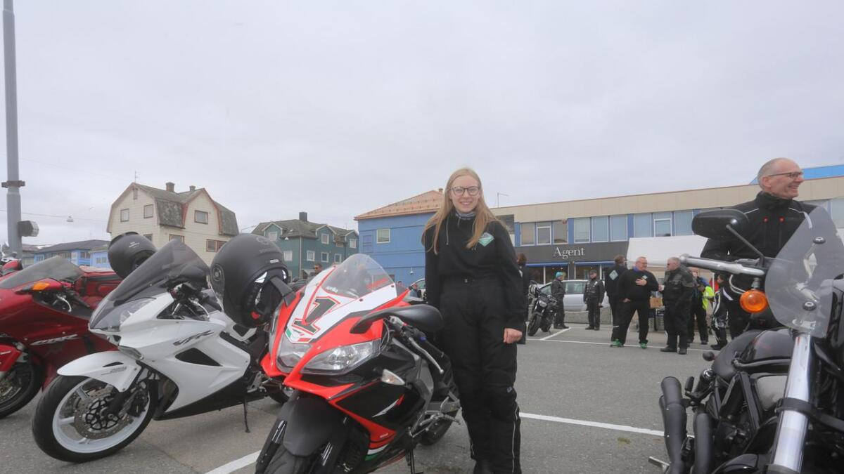 Vilde Reinholdtsen  var en av mange som deltok på Motorsykkelens dag på Sortland torg.