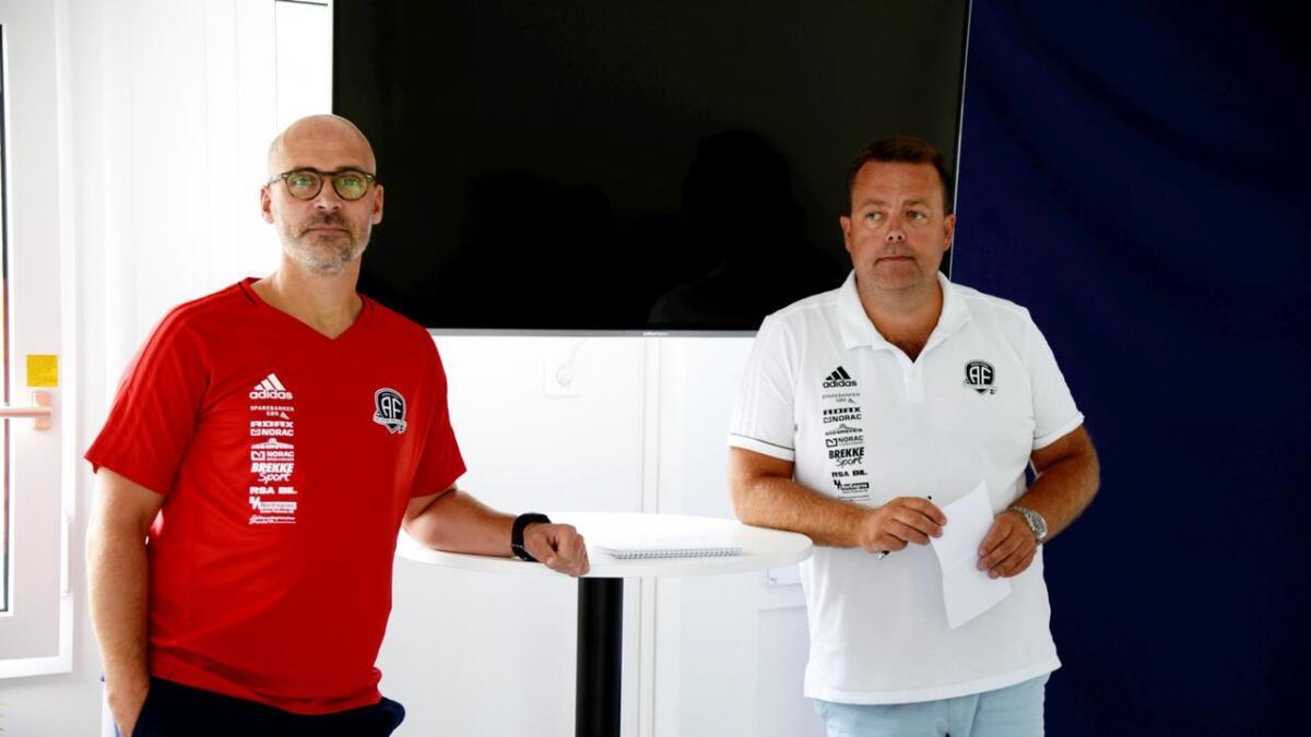 Trener Steinar Pedersen og daglig leder Bård Sterk Hansen på et tidligere bilde.