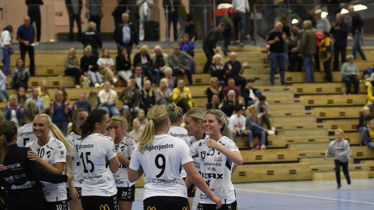Gleden var stor hos Sascha Juul og resten av Grane etter seieren i serieåpningen i 1. divisjon.