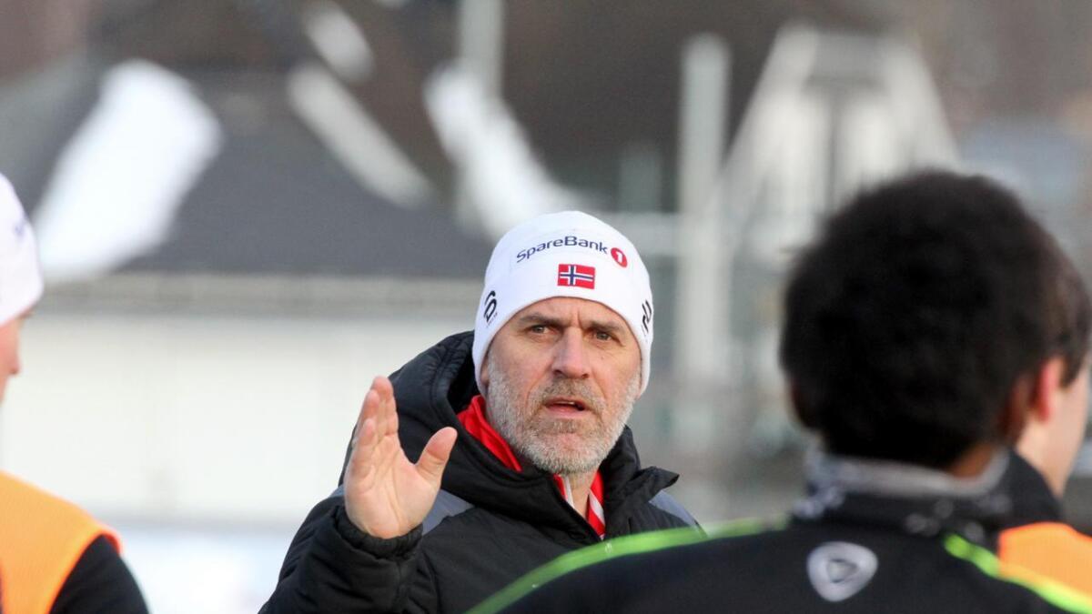 Tommy Svindal Larsen gir seg i Pors.