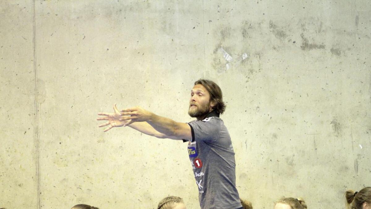 Anstein Engravslia har sagt opp i Pors og starter i Gjerpens nye trenerteam.