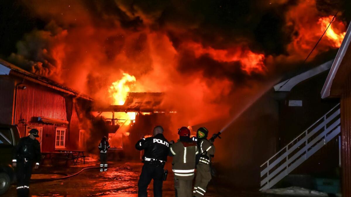 Brann i butikk på Stoa