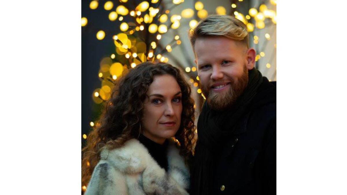 """Kim Rysstad og Beate Lech var begge med i """"Stjernekamp"""" i NRK. No vidarefører dei samarbeidet med ein ny jolelåt som dei presenterer førstkomande fredag."""