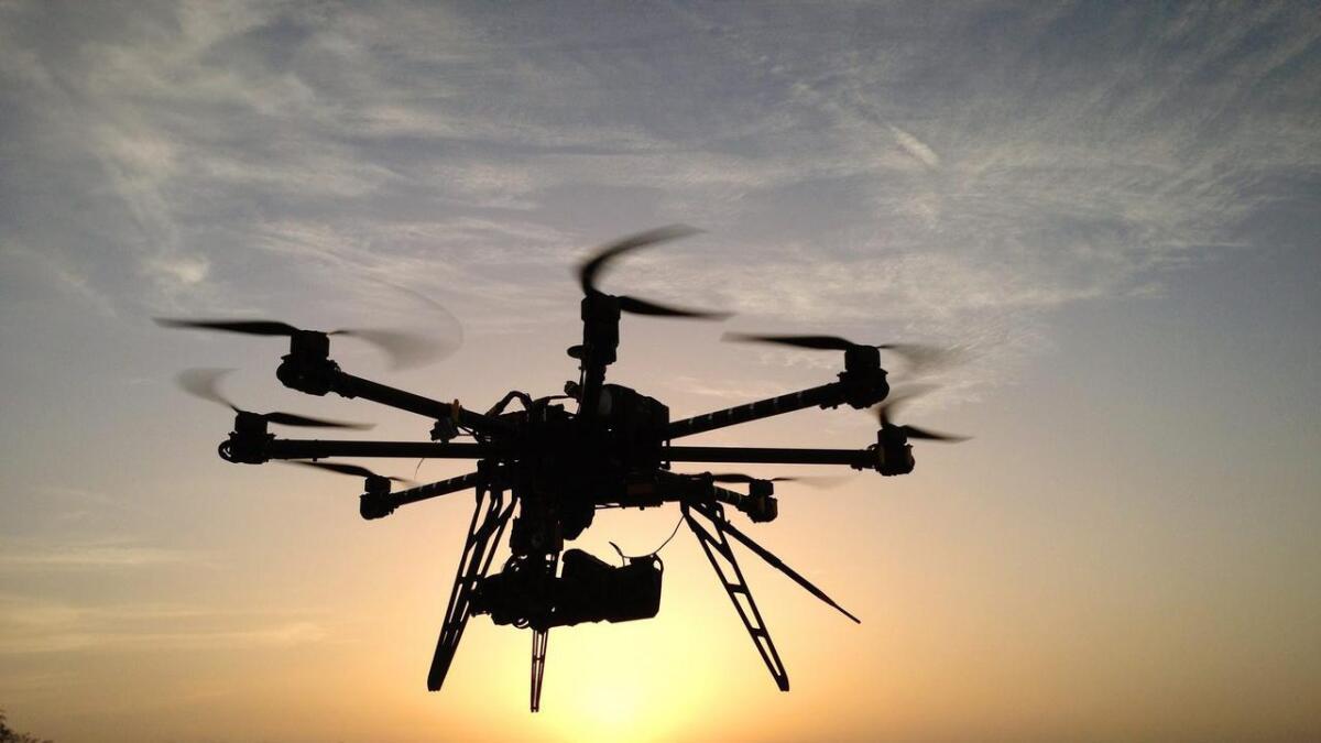 Droner kan være flotte å se i lufta, men kan virke litt påtrengende for folk som bare er på tur.