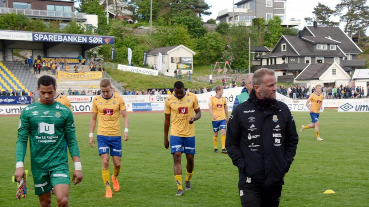 Jerv fikk det tøft da de møtte Aalesund på bortebane søndag. Vertene gas seg ikke før de hadde slått Jerv 4–0. Her fra da lagene møttes på Levermyr i mai.