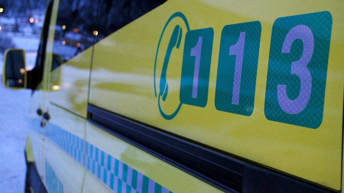 Nordlandssykehuset vurderer å slå sammen ambulansestasjoner i Vesterålen for å få bedre arbeidsforhold. Men det kan gå ut over beredskapen.